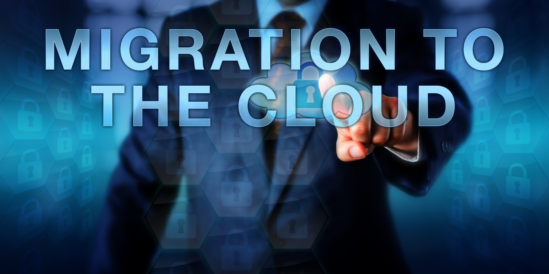 Man pointing to screen that says migration to the Cloud
